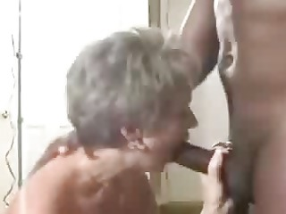a hawt older wife gets a creampie from her dark