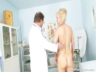 anezka mature pussy gyno speculum gyno clinic