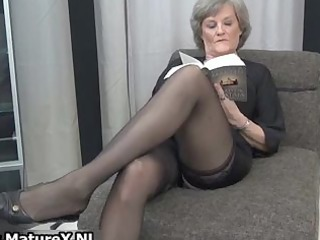 aged housewife in hot darksome nylons part7
