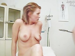 janelle young mom having her pussy gyno speculum